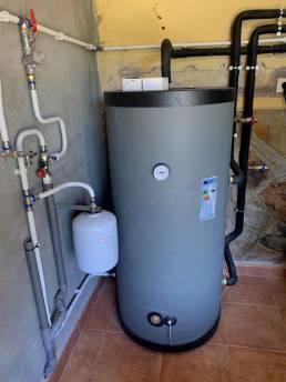depósito agua caliente 200